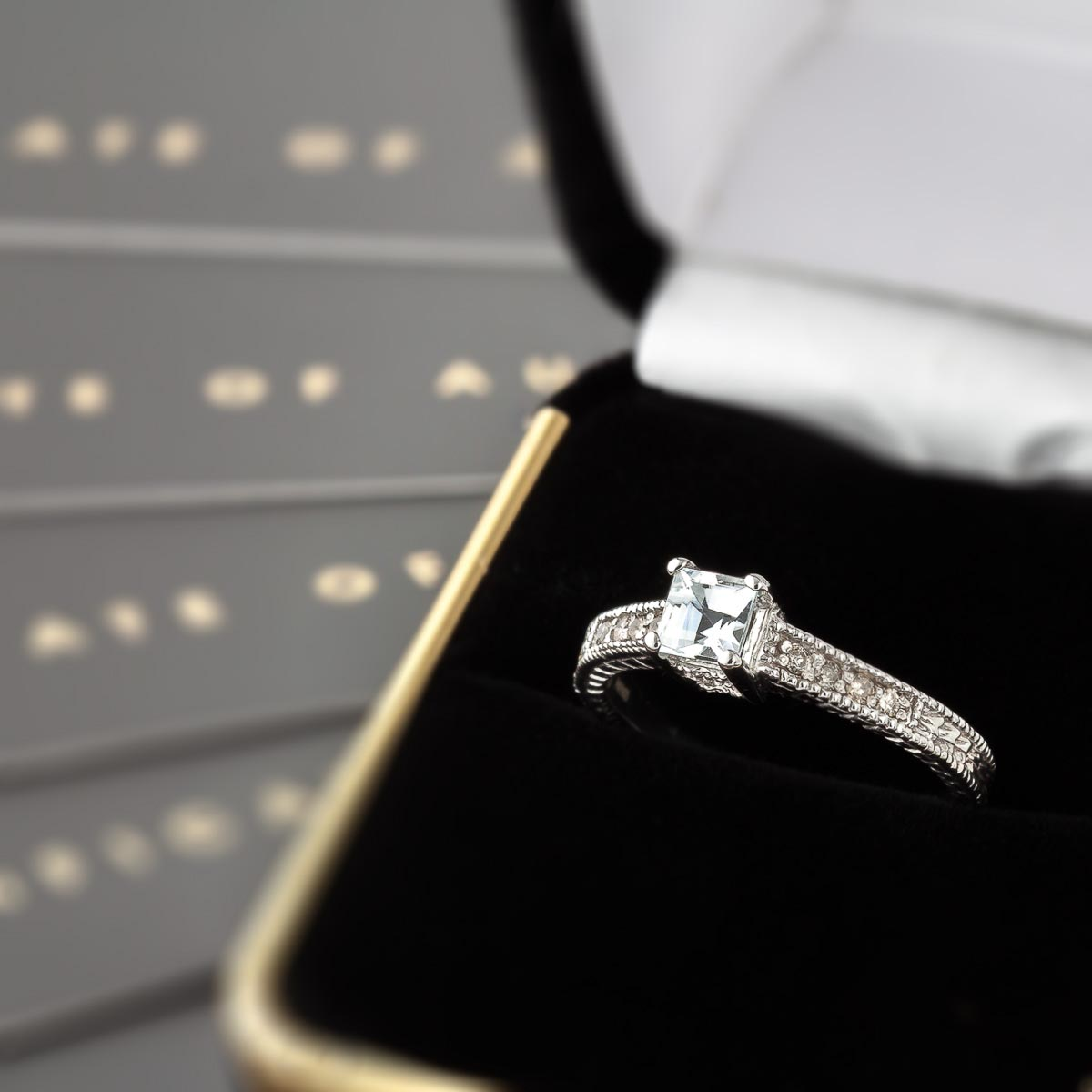 Aquamarin & Diamant Ring, Weißgold 375